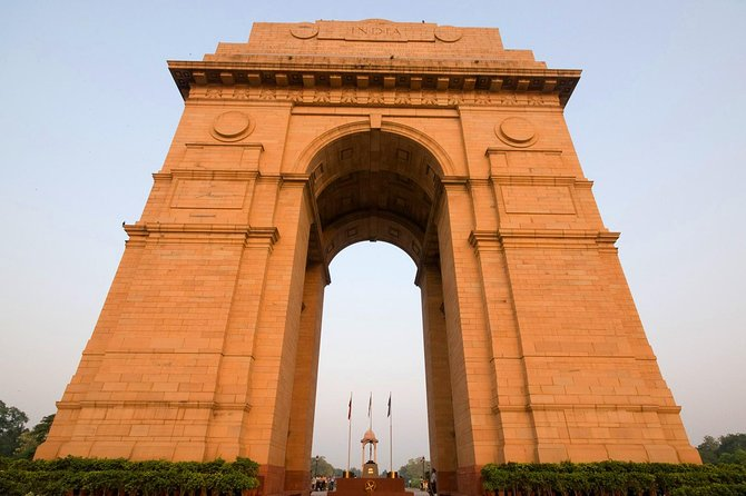 Private Old And New Delhi Tour by AC Car with Tour Guide
