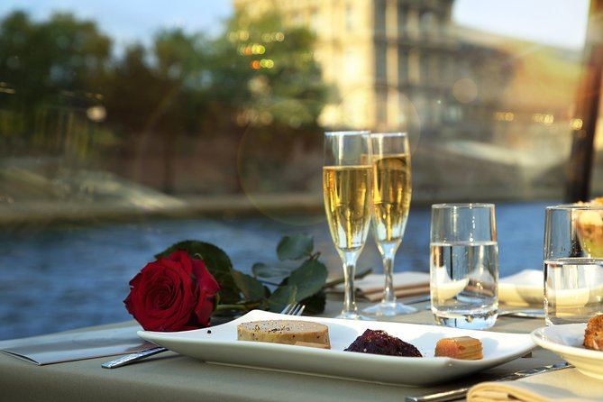 Bateaux Parisiens Valentine's Day River Cruise with 5 Course Dinner & Live Music