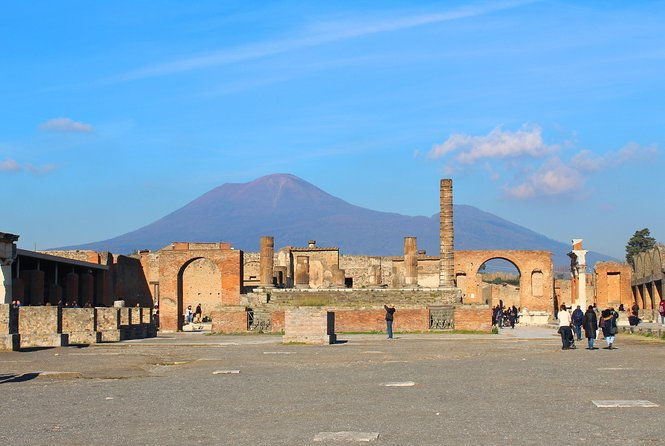 Skip-the-Line Ancient Pompeii Archaeological Site Small group Tour photo 2
