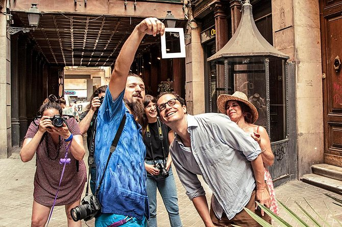 Private Photography Walking Tour with a Local