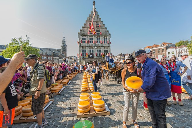 Half day Cheese market tour to Alkmaar & 100 Highlights Cruise photo 4