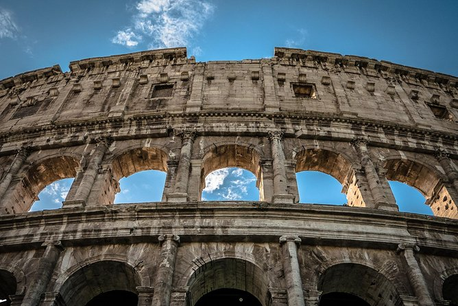 On the footsteps of ancient Roman: Colosseum, Roman Forum and Palatine Hill Tour