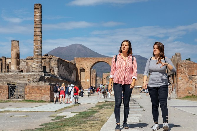 Private Day Trip to Pompeii & Herculaneum with Tickets