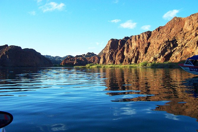Colorado River Jet Boat Tour Plus London Bridge and Ghost Town from Las Vegas