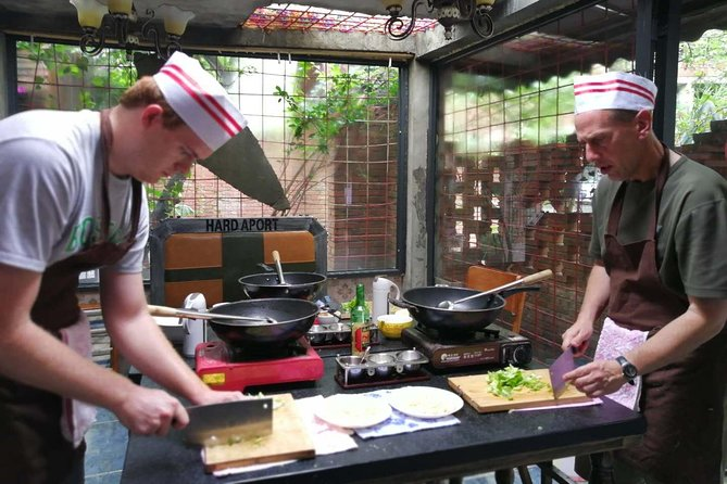 Private Sichuan Cooking Class including Local Wet Market Visit