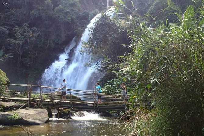 One Day Inthanon National Park & Trekking on Pha Dok Siew Nature Trail (Private)