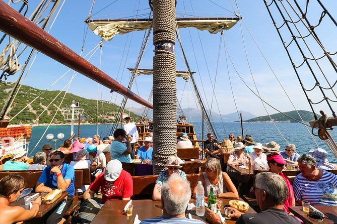 Elafiti Islands Cruise with live entertainment by Galleon from Dubrovnik