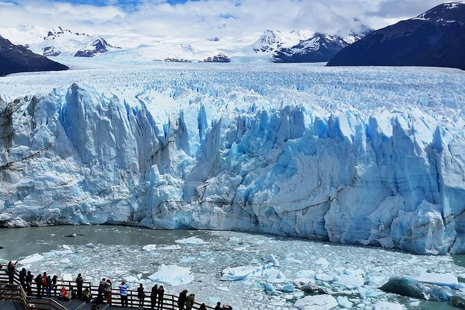Observe the amazing Perito Moreno Glacier from different viewpoints.