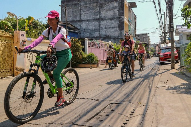 Explore Bangkok by Bike & Boat with Lunch