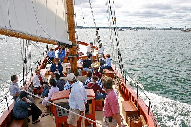 Privateer Schooner Sailing Tour in Salem Sound