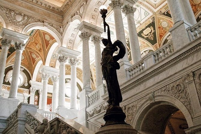 Private Guided Tour: DC National Archives Building & Capitol Hill