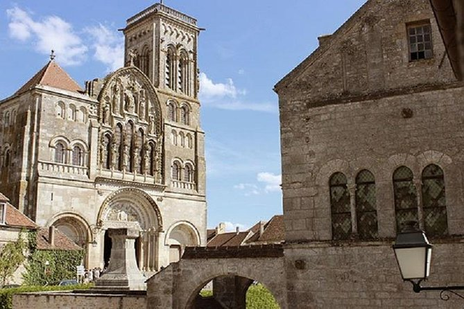 BURGUNDY: VEZELAY & FONTENAY ABBEY - Private day trip from Paris by Train