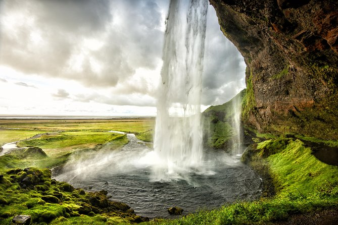 Iceland's South Coast Tour & Roundtrip Airport Transfer