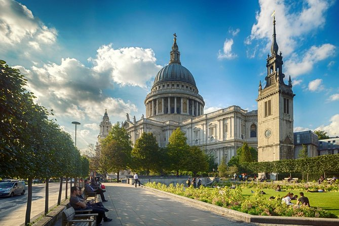 London Super Saver: London City Sightseeing Including Tower of London plus Jack the Ripper and Ghost Walking Tour