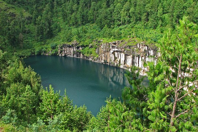 descent river trip with canôe, the national park of Tsingy of Bemaraha ( 8days )