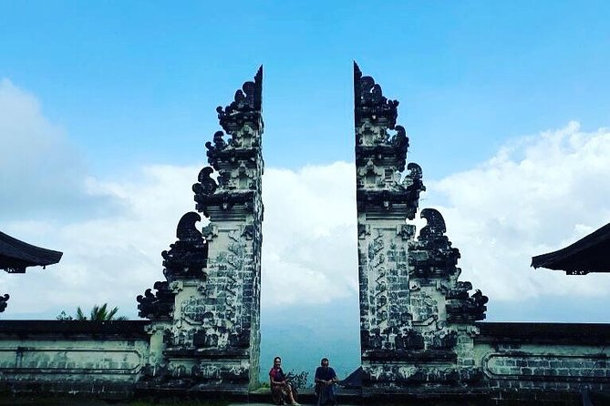 Bali : Instagrams Tour Lempuyang Temple, Tirta Gangga- Tukad Cepung , Tibumana Waterfall