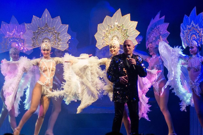 Lunch or Dinner Cabaret Show in Normandy