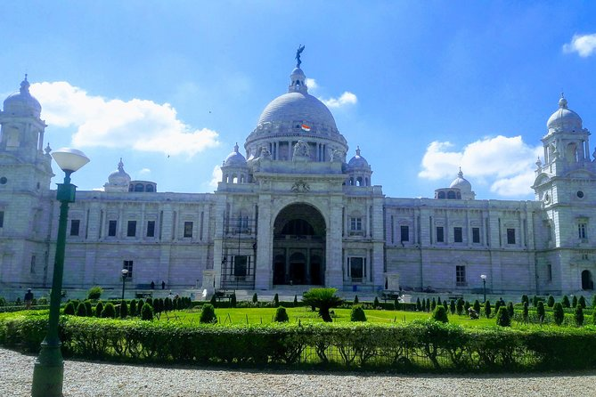 Explore the City of Joy and Enjoy the beauty of Kolkata