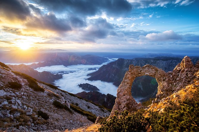 Capture one of nature's most beautiful monuments - Outlaw's Gate