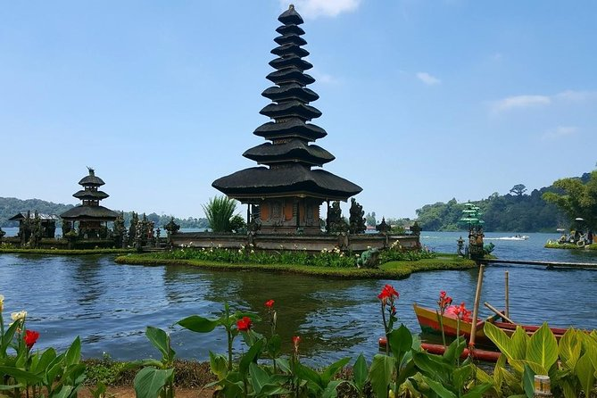 Bedugul & Tanah Lot Private Tour photo 8