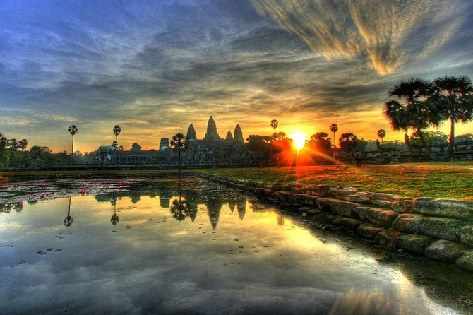 Private Angkor Sunrise Guided Tour