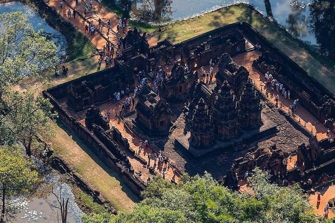 Private Banteay Srei and 4 Temples Guided Tour