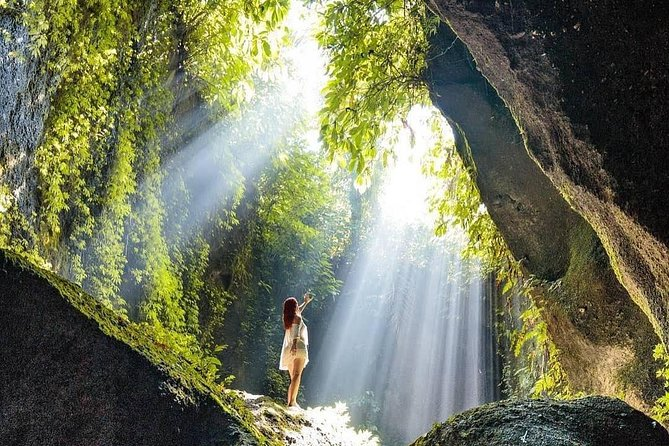 Bali Waterfalls Instagram Spot: Tibumana, Tukad Cepung and Tegenungan Waterfalls