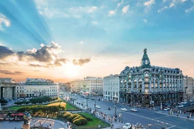 St. Petersburg Must-See's Tour