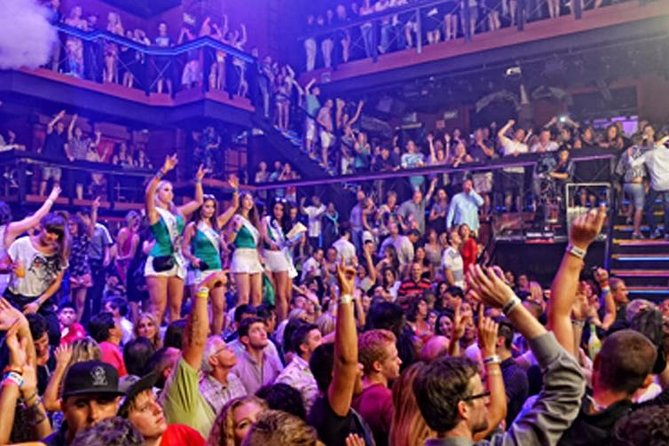 Cancun Coco Bongo Nightclub Admission with Open Bar