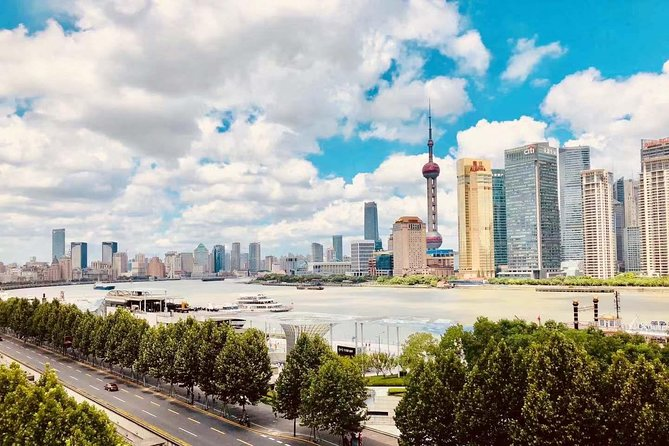 Shanghai Layover Customized Tour with Maglev Drop-off Option