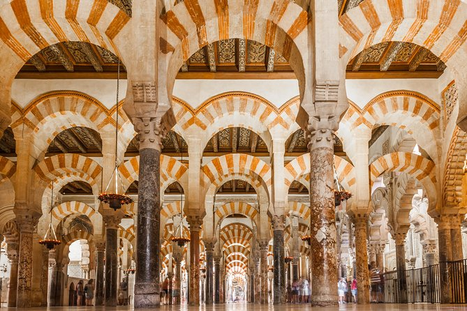 Guided Tour Mosque-Cathedral Cordoba with Tickets (Priority Access)