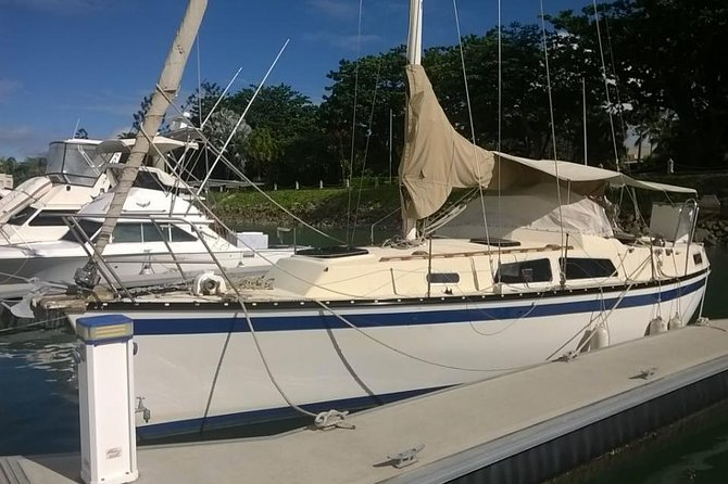 Townsville Private Hire Lunchtime Sailing Cruise Boat Tour Charter Sail