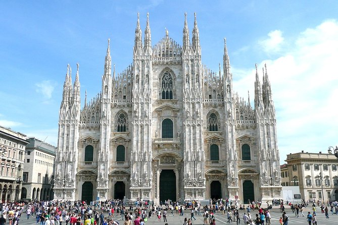 Full-day Milan Sightseeing Tour from Lake Garda