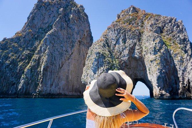 Boat tour to Sorrento coast, Capri and Blue Grotto - Fun & Swim