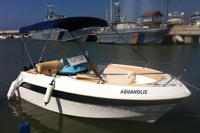 Luxury 70HP Self-drive boat hire in Latchi €146 Per Boat