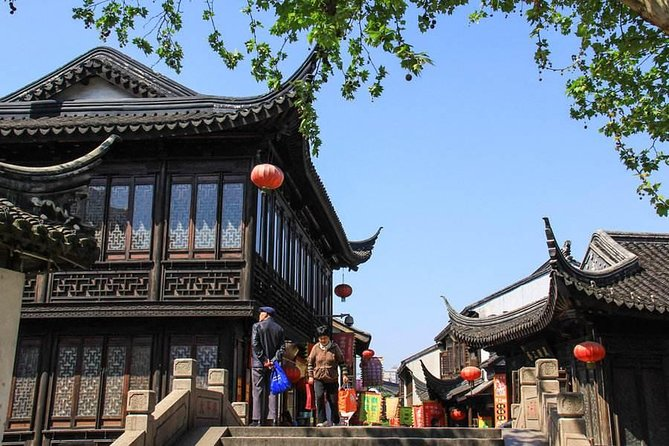 Independent Tour of Nanxiang Ancient Town and Guyi Garden from Shanghai