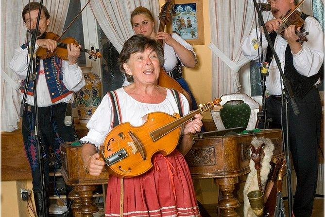 Fiesta de folclore con cena en Praga con bebidas ilimitadas