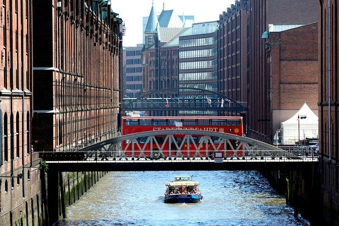 Ausflug nach Hamburg: Hamburger Hop-On-Hop-Off-Tour mit Hafenrundfahrt