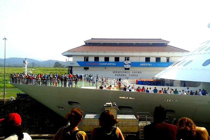 Cruiseline Excursion Colon: Panama City tour and Miraflores Locks