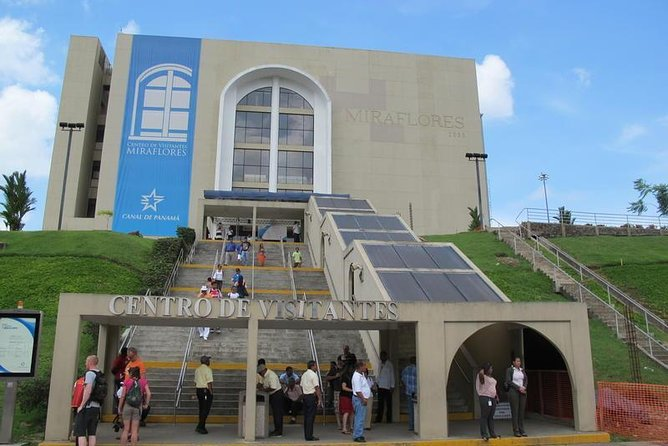 Skip the Line: Miraflores Visitor Center Ticket with Transfer