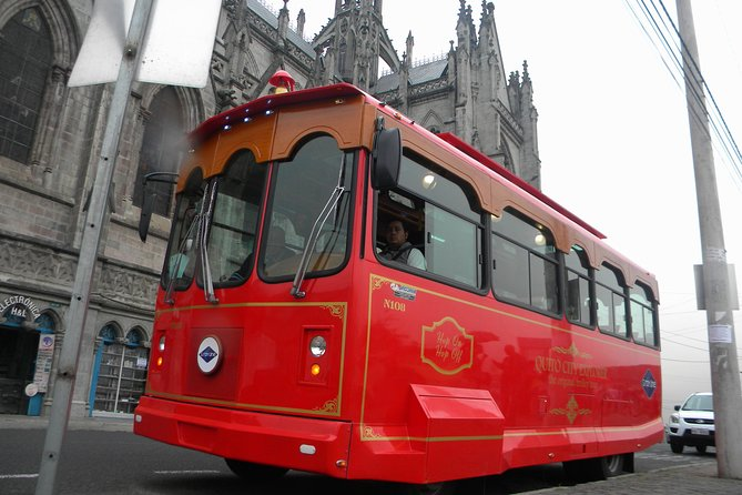 """The Original Quito City Tour in Trolley with Hotel Pick-up - """"Small Group"""""""