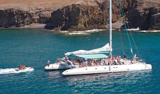 Fuerteventura: croisière en catamaran réservée aux adultes au départ de Corralejo