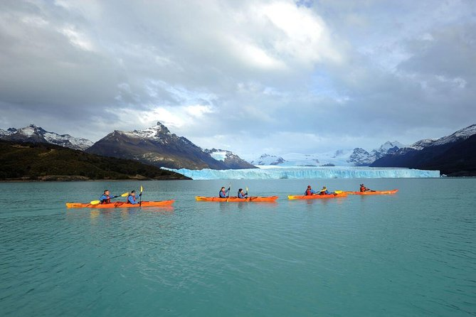 Kayak in Perito Moreno Glacier with transfers