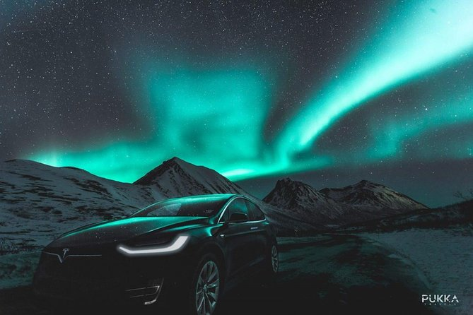 Aurora boreale in Tesla Model X