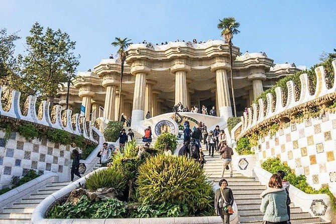 Skip-the-Line Park Güell Tour with Expert Guide