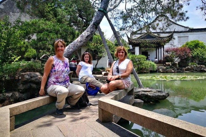 Private Day Trip to Tongli Water Village with Suzhou Garden from Shanghai