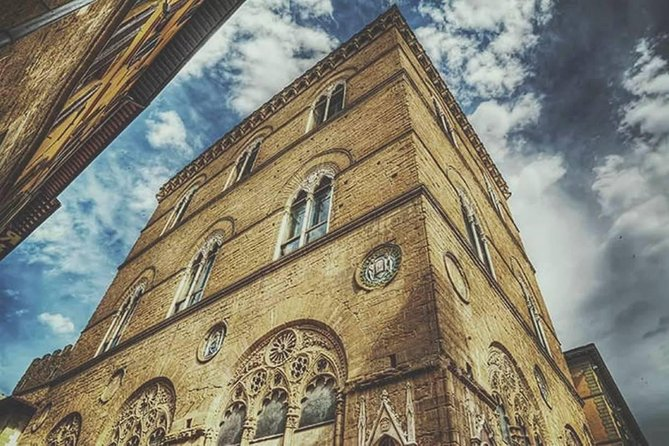 Climb up the secret tower: see Florence from the top!