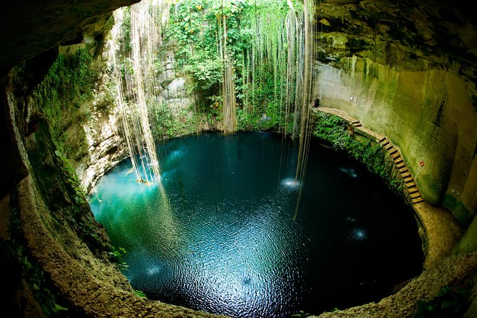 Private Tour to Chichen Itza, Valladolid and Ik Kil Cenote with Lunch