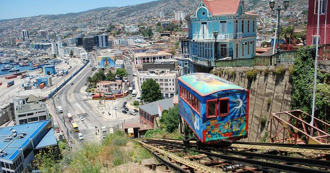 Full Day Guided Trip to Valparaíso & Viña del Mar from Santiago - Multi Language