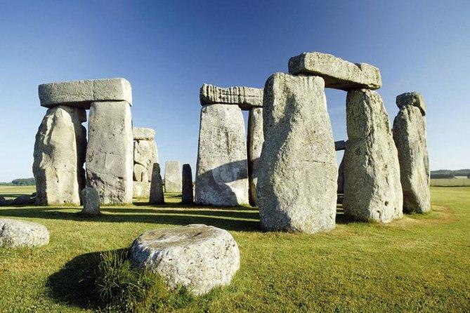 Tour de los pueblos de Stonehenge, Salisbury y Cotswold desde Bath